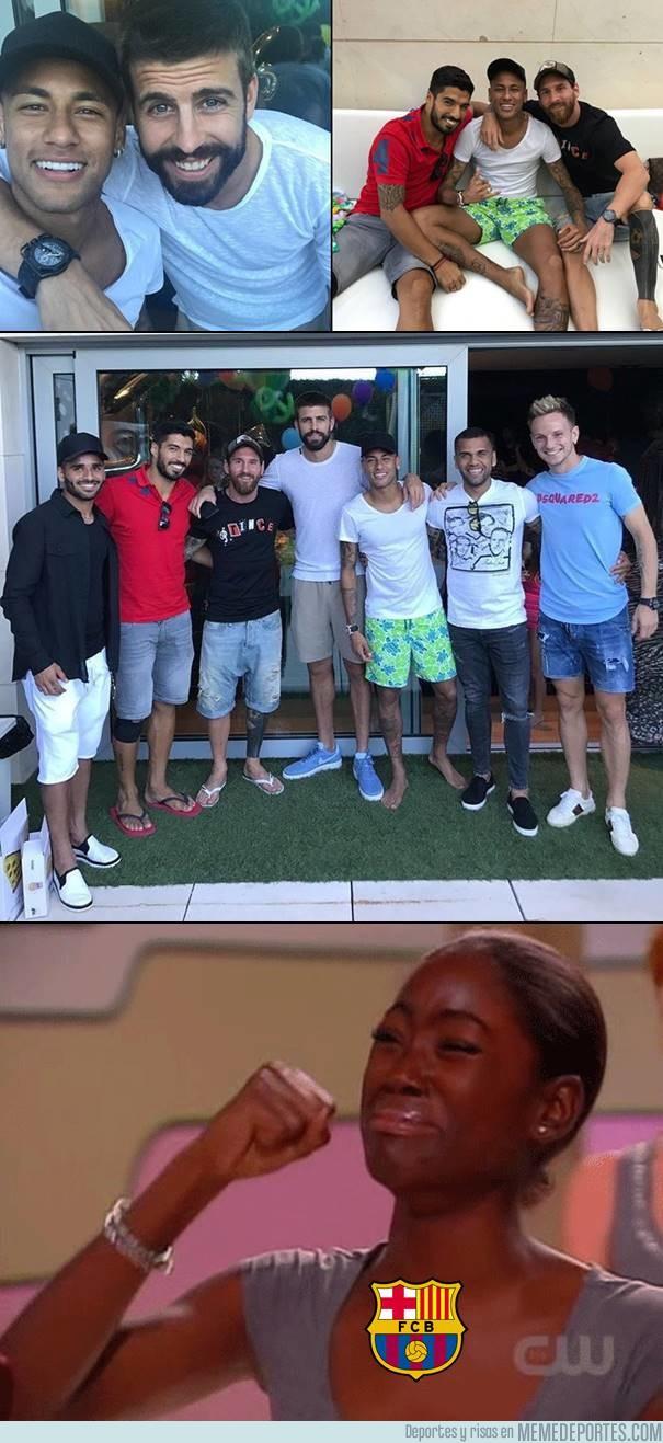994990 - El regreso de Alves y Neymar