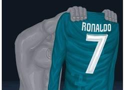 Enlace a Cristiano Ronaldo mejor jugador de la UEFA, por @r4six