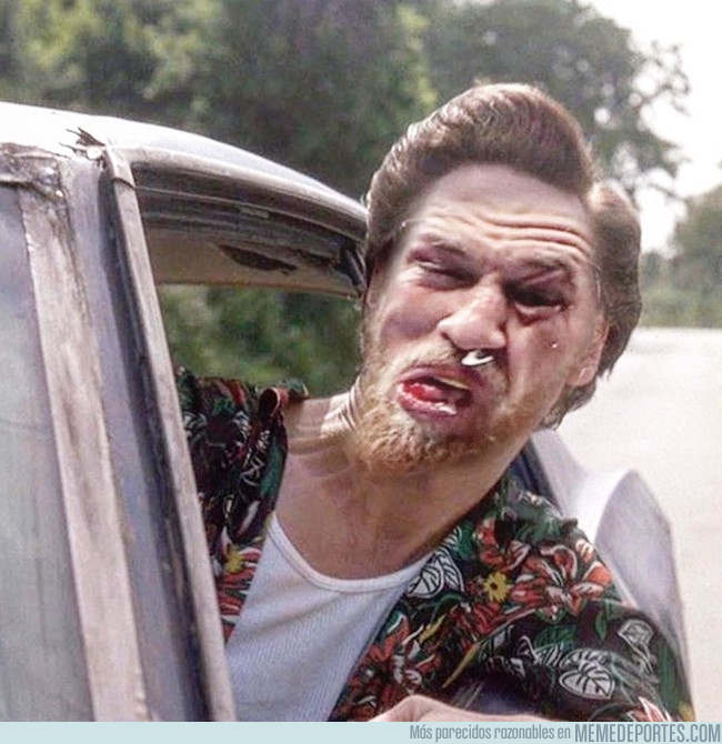 996482 - Cuando estás en tu coche y sacas la cabeza