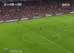 Enlace a GIF: Contra perfecta del Basel que hunde al Benfica