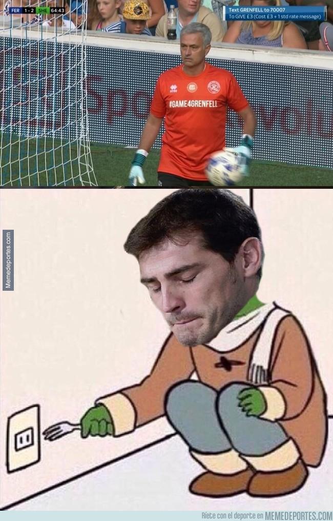 997229 - Lo que le faltaba a Casillas