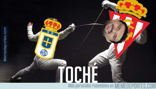 998475 - El Real Oviedo usa la esgrima para empatar al Sporting