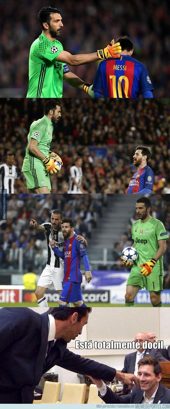 998672 - Buffon cuando se enfrenta a Messi