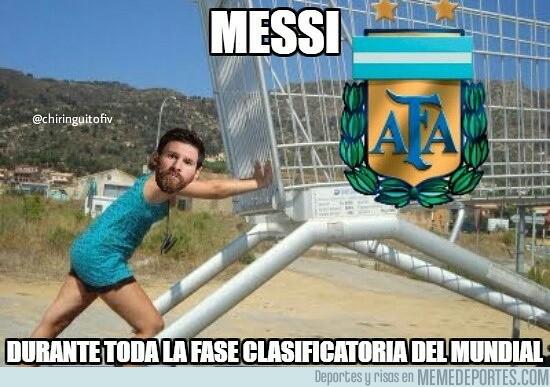 1002892 - Messi empujando a todo el equipo
