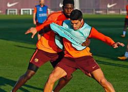 Enlace a Tras este roce entre Suárez y Umtiti en el entreno, Internet le responde lo que pensamos todos