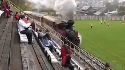 Enlace a El tren Valencia calentando por la banda