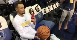 Enlace a La última sobrada de Curry: Triple, sentado, a una mano y grabándose a sí mismo
