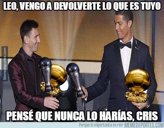 1006389 - Cristiano devuelve premios a Messi