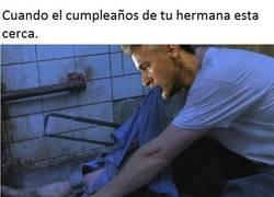 Enlace a Es el cumpleaños de la niña y Neymar lo sabe