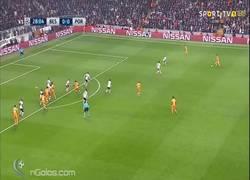 Enlace a GIF: Gran jugada ensayada del Porto que ponía el 0-1