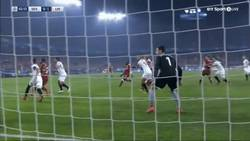 Enlace a GIF: Horrible comienzo para el Sevilla, Firmino marca el primero
