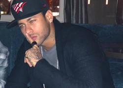 Enlace a Neymar muy pensativo