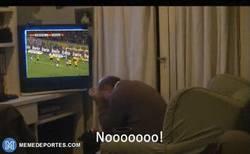 Enlace a Fans del BVB viendo el empate de la remontada