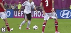 Enlace a El magnífico toque final de Özil. ¿Lo quieres en la Liga?
