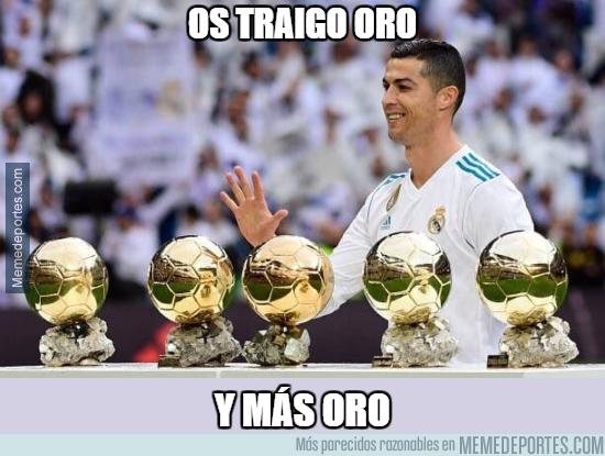 1011054 - Cristiano presenta sus balones de oro en el Bernabéu