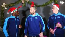 Enlace a Los del Deportivo Alaves sí saben celebrar Navidad, y con Wakaso aún más