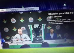 Enlace a Mira Hulio, mientras tanto en el modo carrera del FIFA...