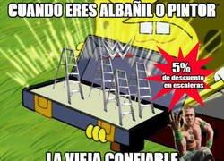 Enlace a La vieja confiable si eres albañil, la WWE te sacará de pobre con las escaleras