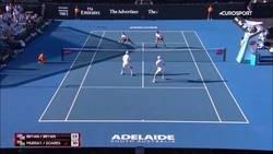 Enlace a Locura en un partido de dobles que termina como puntazo