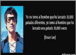 Enlace a Bruce Lee y su opinión de Messi/Alba