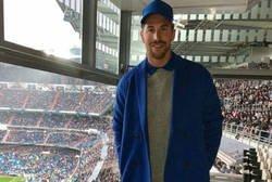 Enlace a Sergio Ramos acude al Bernabéu con este peculiar 'look' y todo internet se ríe de él