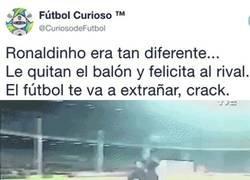 Enlace a Esta jugada resume cómo era Ronaldinho en el campo y por qué nadie puede odiarlo