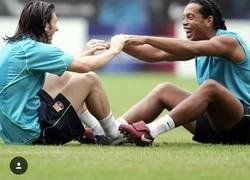 Enlace a De alumno a maestro, el mensaje de Messi tras la retirada de Ronaldinho