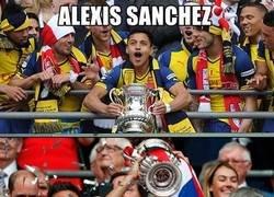 Enlace a Alexis y su pequeña gloria en el arsenal