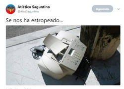 Enlace a El Atletico Saguntino sacando el humor en el mercado de invierno