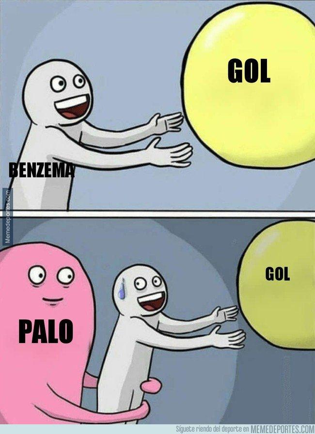 1020786 - Benzema y los palos