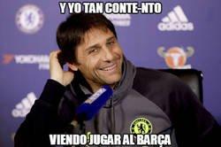 Enlace a Conte sonríe al ver al Barça