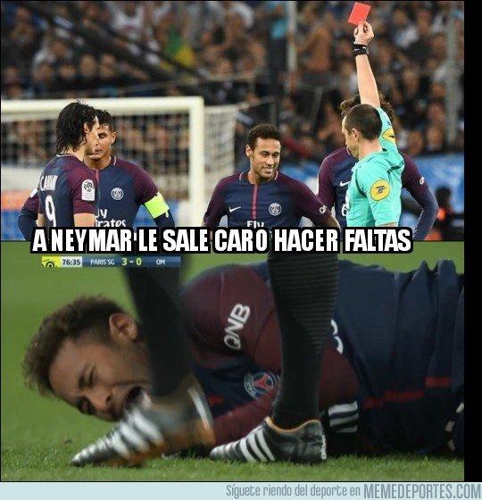 1023332 - A Neymar le sale caro hacer faltas, éste es el resultado de sus 2 últimas faltas