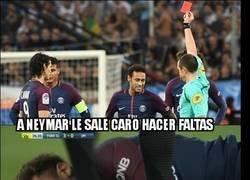 Enlace a A Neymar le sale caro hacer faltas, éste es el resultado de sus 2 últimas faltas
