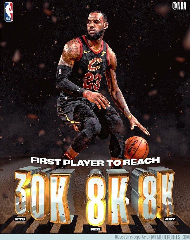 1023709 - BRUTAL: LeBron es el primer jugador en la NBA en alcanzar los 30.000 puntos, 8.000 rebotes y 8.000 asistencias