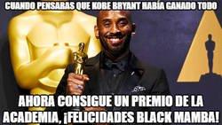 Enlace a Kobe Bryant gana un Oscar por el corto documental de 'Dear Basketball'