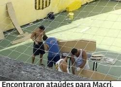Enlace a Se lió parda en Argentina por la aparición de unos ataúdes en el estadio de Rosario Central