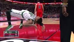 Enlace a Increíble demostración 'ninja' de un jugador NBA para levantarse del suelo