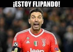 Enlace a Buffon alucina con los dos posibles penaltis de Chiellini