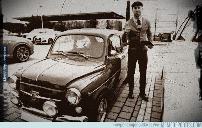 1024832 - Con algo de filtro, Ramos se parece a la foto de tu abuelo con su primer coche