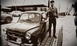 Enlace a Con algo de filtro, Ramos se parece a la foto de tu abuelo con su primer coche