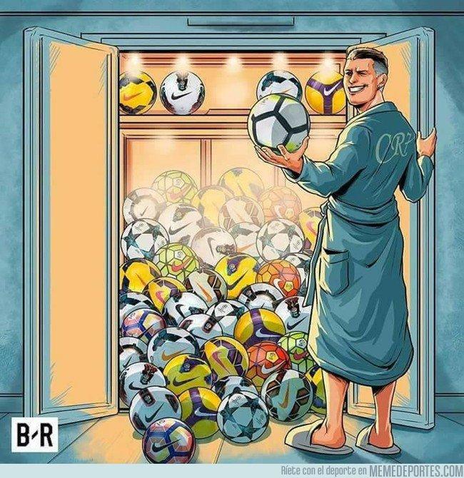 1026337 - Cristiano y sus 50 Hat-tricks, ¿dónde guardará tanto balón?