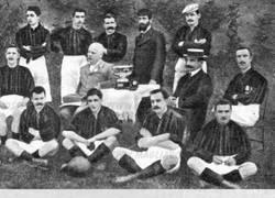 Enlace a Hoy, en viajeros en el tiempo, cuando Iker Casillas ganó un título con el Milan en 1901
