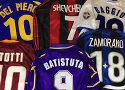 Enlace a Quién no recuerda el fútbol de los 90 con mucha nostalgia