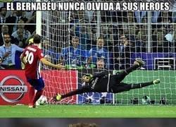 Enlace a La ovación del Bernabéu a Juanfran