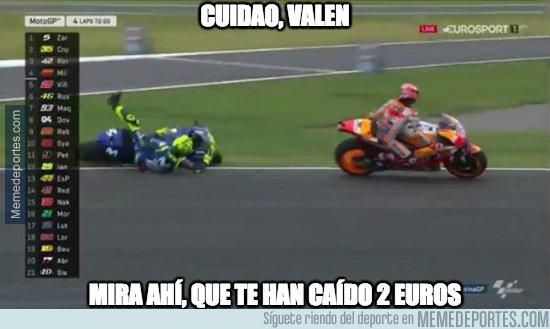 1028909 - Rossi por el suelo