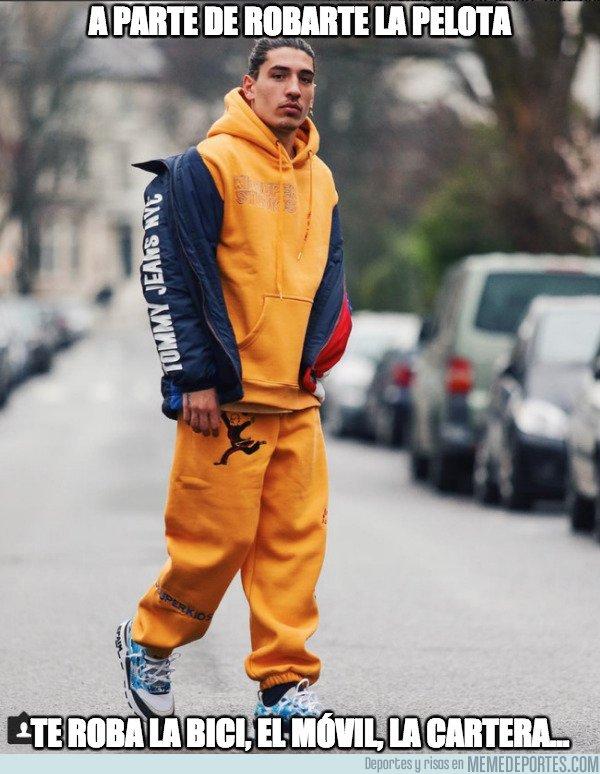 1029002 - El look que viste Bellerín por las calles de Londres