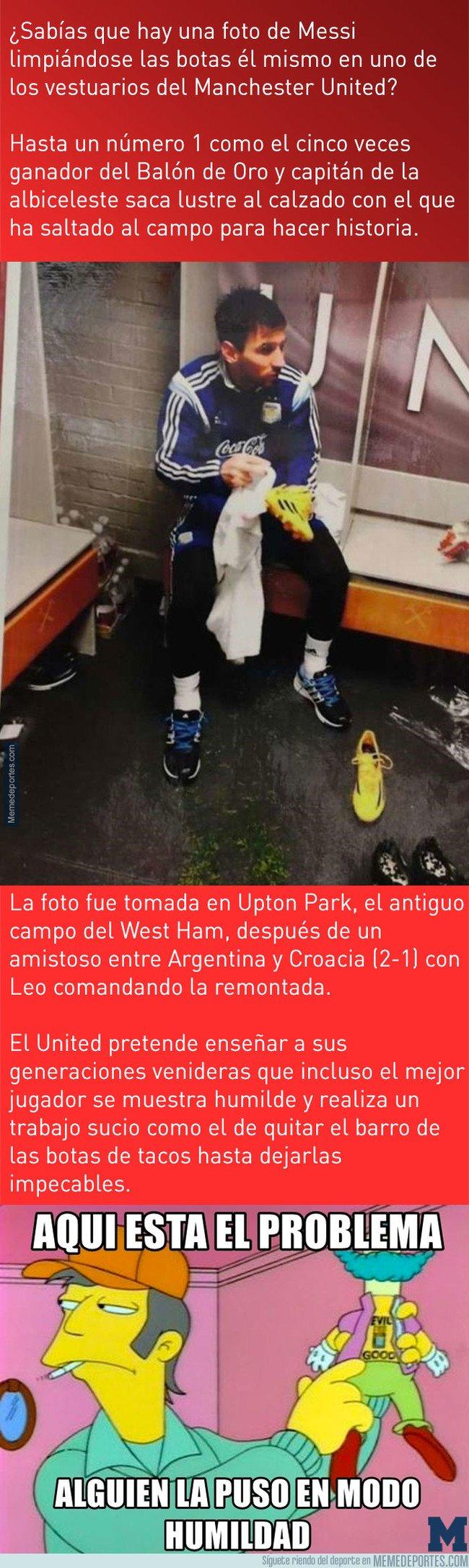 1029083 - En el vestuario del United hay una foto de Messi y el motivo se lo ha ganado a pulso