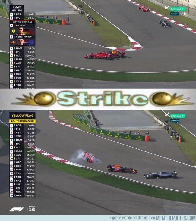 1030509 - Verstappen le hace un 'strike' a Vettel