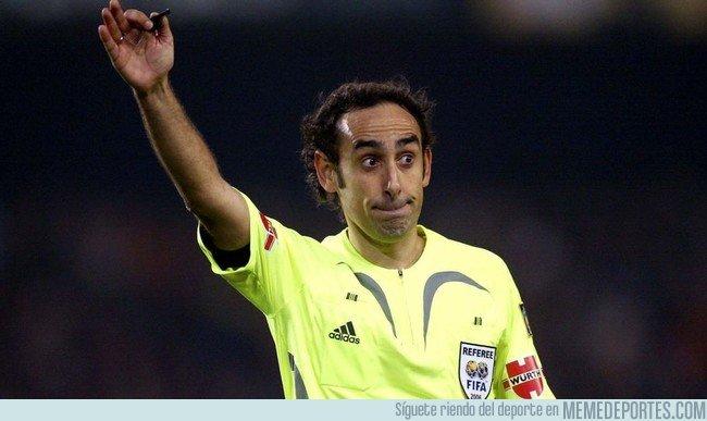 1032102 - La curiosa anécdota de Iturralde con Iniesta tras el 5-0