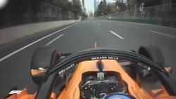 Enlace a Llevando el coche hasta boxes sin las ruedas de la derecha